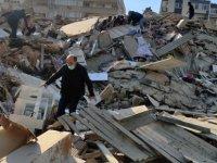 İzmir'de 6,6 büyüklüğünde deprem; 12 kişi hayatını kaybetti, yaralı sayısı 419'a yükseldi!