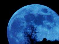Bu Gece Gerçekleşecek Olan Mavi Dolunay, 76 Yıl Sonra Dünyanın Her Yerinden İzlenebilecek