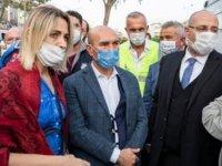 İzmir Büyükşehir Belediye Başkanı Tunç Soyer: 180 civarında vatandaşımız enkaz altında