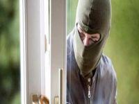 Girne'de güvenlik kamerasını çaldılar