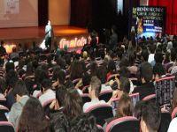 GAÜ'den Diyarbakır'daki Final Okulları'nda öğrencilere yönelik sunum