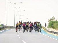 """Trafikte Biz de varız"""" Sloganı ile Lefkoşa Sokaklarında Pedal Çevirdiler"""