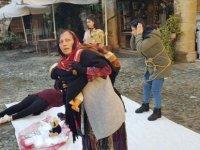 """Baraka Tiyatro Ekibi'nden """"Şiddeti Gör"""" İsimli Sokak Performansı"""