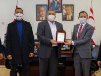 Azerbaycan Kıbrıs Dostluk Cemiyeti Gazimağusa Belediye Başkanı İsmail Arter'i ziyaret etti
