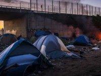 İngiltere Ve Fransa Yasa Dışı Göçle Mücadele Anlaşması İmzaladı