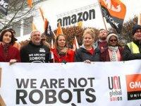 Amazon işçileri eylemde: Çaldıklarınızı geri verin!