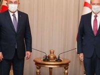 Türkiye Dışişleri Bakanı Çavuşoğlu, Cumhurbaşkanı Tatar'la Telefonda Görüştü