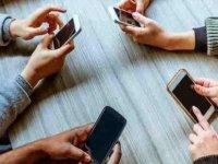 Cep Telefonu Kullananlar Dikkat!.. Uzman İsim Uyardı!.. Felç Kalabilirsiniz!