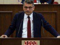 """Erhürman: """"Başbakan yetki tecavüzcüsü"""""""