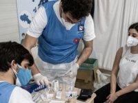 İtalya'da Covid-19 Aşılarının Sağlık Çalışanlarınca Yakınlarına Yapılmasına Soruşturma