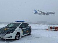 Madrid'de Yüzlerce Yolcu Kar Fırtınası Nedeniyle Havalimanında Mahsur Kaldı