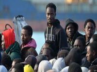 Akdeniz'de binlerce göçmen kurtarıldı