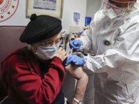 Türkiye'de Engelli Ve Yaşlı Bakım Kuruluşlarında Coronavac Aşısı Uygulanmaya Başladı