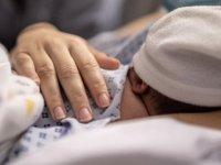 Bulgaristan'da Yeni Doğan Bebek, Anne Karnında Kovid-19'a Karşı Antikor Geliştirdi