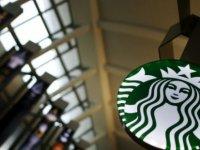 Starbucks, çalışan tarafından bardağına çekik gözlü yüz çizilen müşterisine 100 bin lira tazminat ödeyecek