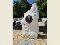 """""""Uzay şairi"""" olarak tanınan Osman Türkay ölümünün 20. Yılında unutulmadı."""