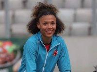 Tatar'dan başarılı atlete tebrik