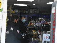 Girne Belediyesi 3 marketin bazı ürünlerine el koydu