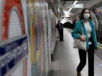 İngiltere'de Koronavirüs Vakalarındaki Günlük Artış Yavaşlıyor