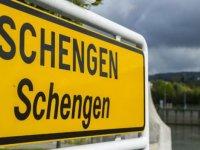 Schengen'i fiilen askıya aldılar