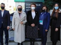 Cumhurbaşkanı Tatar'ın Eşi Sibel Tatar, Kıbrıs Türk Yeşilay Derneği'ni Ziyaret Etti