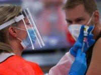 ABD'de aşılarını yaptıranlar maskesiz bir araya gelebilecek
