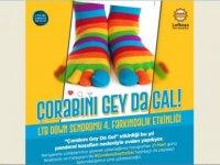 Çorabını Gey Da Gal: Lefkoşa Rengarenk Çoraplarıyla bu sefer evden mesajını veriyor