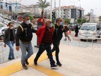 Antalya'da eş katiline akılalmaz destek: Adamın kralısın, rahatına bak ağabey