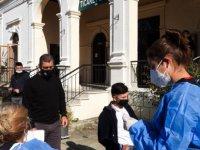 İskele Belediyesi Sağlık Birimi, Okula Gelen Öğrencilere Antijen Testi Yaptı