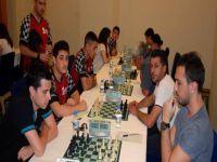 Yıldırım Satranç Turnuvası yapılıyor