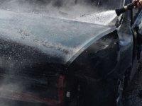 Girne - Lefkoşa Anayolunda araç yandı!