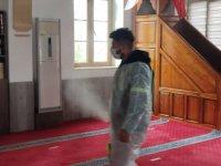 Girne'de Camiler Ilaçlandı