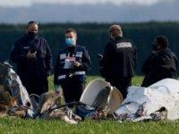 Paris'te uçak düştü: 4 ölü
