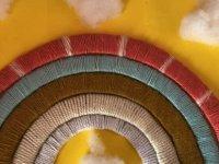 Özay Günsel Çocuk Üniversitesi Öğrencileri Yaratıcılıklarını Kullanarak Renkli İplerden Kendi Gökkuşaklarını Tasarladı