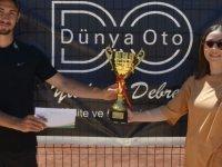 Dünya Oto Cup'ta Mustafa Zorba ve Oksana Piddubna şampiyon!