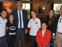 Girne Belediyesi'ni geçtiğimiz yıl ziyaret eden yüzücülerden büyük başarı