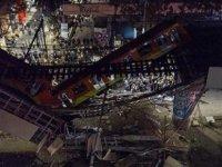 Meksika'da Metro Üst Geçidinin Yola Çökmesi Sonucu 23 Kişi Öldü