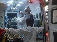 Brezilya'da son 24 saatte 2 bin 966 kişi koronavirüs nedeniyle hayatını kaybetti