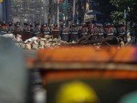 Myanmar'da Darbe Yönetiminin Protestoları Bastırmak İçin Gözaltına Aldığı Genç Erkeklerin Kaybolduğu İddia Edildi