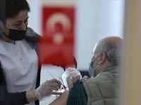 Türkiye: Kovid-19'la mücadelede ülke genelinde iki doz aşı yaptıranların sayısı 10 milyonu geçti