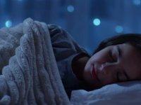 Uyku arası bilinçsiz yemek yeme semptomuna dikkat!