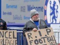UEFA'dan 9 kulübe 'Avrupa Süper Ligi' cezası