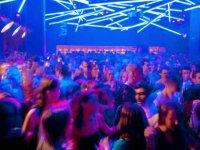 """Alman parlamentosu,  gece kulüplerinin """"kültürel varlık"""" ilan edilmesini talep etti"""