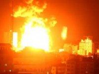 """Netanyahu """"saldırılar devam edecek"""" dedi, Gazze'ye pazartesi sabahı yine bomba yağdı"""
