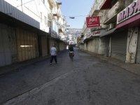 İsrail-Filistin: İsrail'in Gazze'deki hava saldırılarını protesto eden Filistinliler genel greve gitti