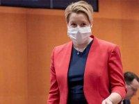Alman bakan, doktora tezindeki intihal nedeniyle istifa etti