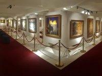 Açılışını Başbakan Ersan Saner'in yapacağı Sergiler 14 Haziran'da Girne Üniversitesi Güzel Sanatlar Galerisi'nde sanatseverlerle buluşacak.