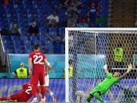 İtalya-Türkiye maçının skorunu bilmekle kalmadı, golleri kimlerin atacağını da doğru tahmin etti!