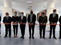 """""""Kıbrıs Manzarası ve Muhtelifleri"""" ve """"Zaman Şiiri"""" sergileri, Girne Üniversitesi Güzel Sanatlar Galerisi'nde açıldı"""