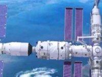 Çin'in Uzay Mekiği İstasyona Kenetlendi